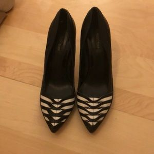 Banana Republic black/white heels!